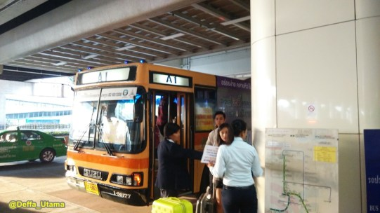 How to Explore Pattaya in 1 Day - Shuttle Bus Airport
